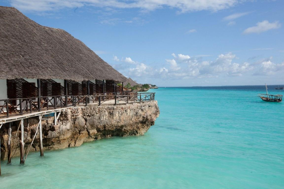 Amaan bungalows beach resort in nungwi gofan safaris and for Hotels zanzibar